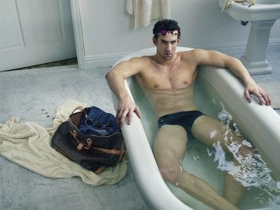 Michael Phelps salta de la piscina a la bañera de la mano de Louis Vuitton
