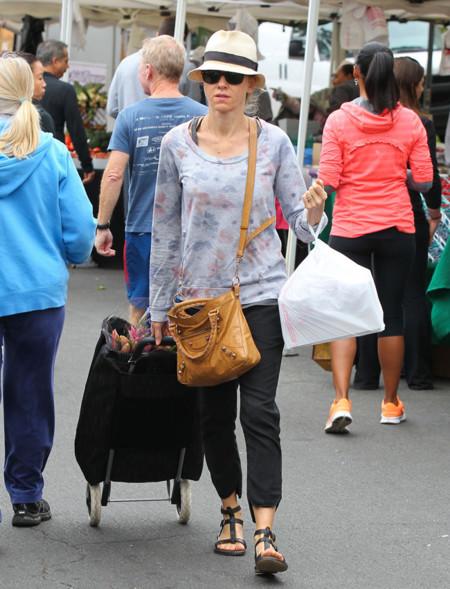 Naomi Watts sombrero