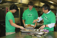 Universitarios de EEUU contra el desperdicio de comida