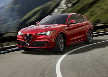 Así de espectacular es el Alfa Romeo Stelvio, el Macan italiano