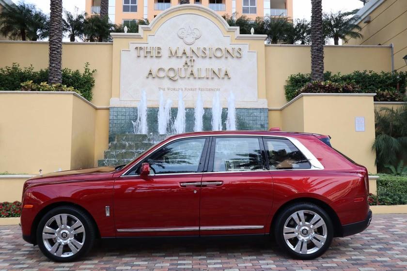 ¡Qué ofertón! Por 38 MDD te llevas un departamento de lujo que incluye un Rolls-Royce Cullinan y un Lamborghini Aventador S