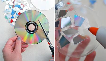 CDs convertidos en bolas de Navidad