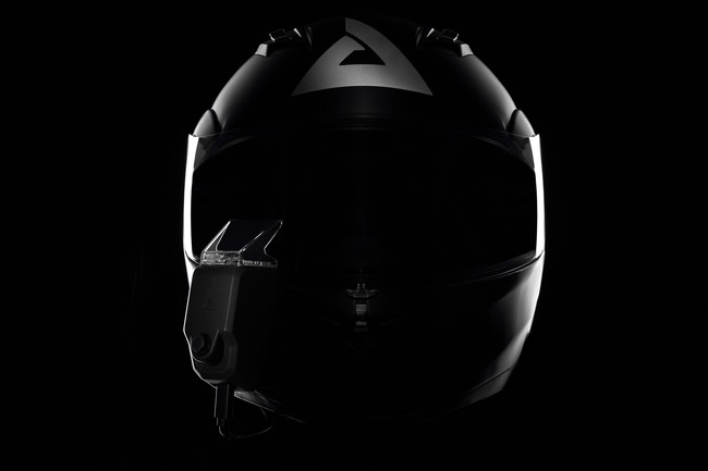 Dos start-up asiáticas prometen convertir cualquier casco de moto en un 'smarthelmet'