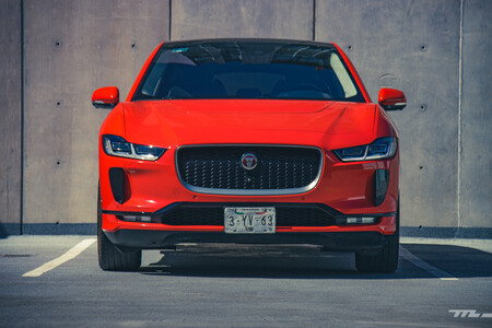 Jaguar I Pace 1