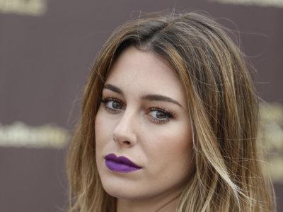 Blanca Suárez saca su lado salvaje como imagen de Magnum con un vestido army y ¡labios violeta!