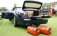 Rolls-Royce Phantom Drophead Coupé con un servicio de champán a juego