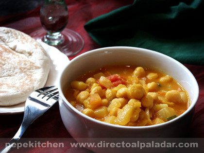 Garbanzos picantes. Receta de la India