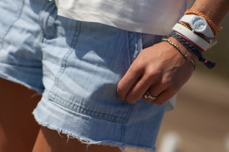 Prohibidos los shorts en aulas a más de 30 grados: un instituto no permite a las chicas llevar esta prenda a clase