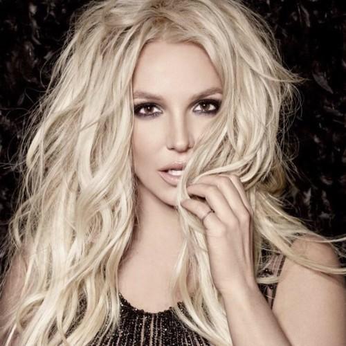 ¡Una de parejas navidadeñas! Britney Spears y sus achuchones a Sam Asghari, y Katy Perry a manotazo limpio con Orlando Bloom