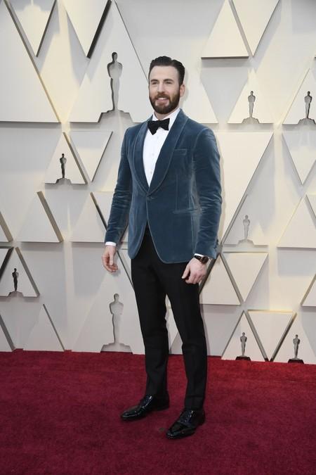 De Azul Y En Terciopelo Chris Evans En La Alfombra Roja De Los Premios Oscar 2019 03