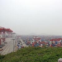 El impresionante puerto de Shanghái que, año tras año, sigue batiendo su propio récord de capacidad