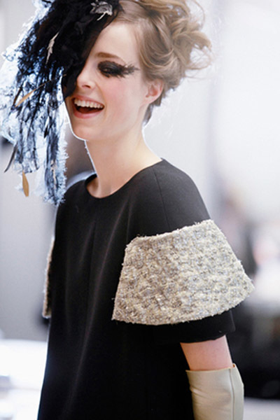 Risas backstage Chanel couture