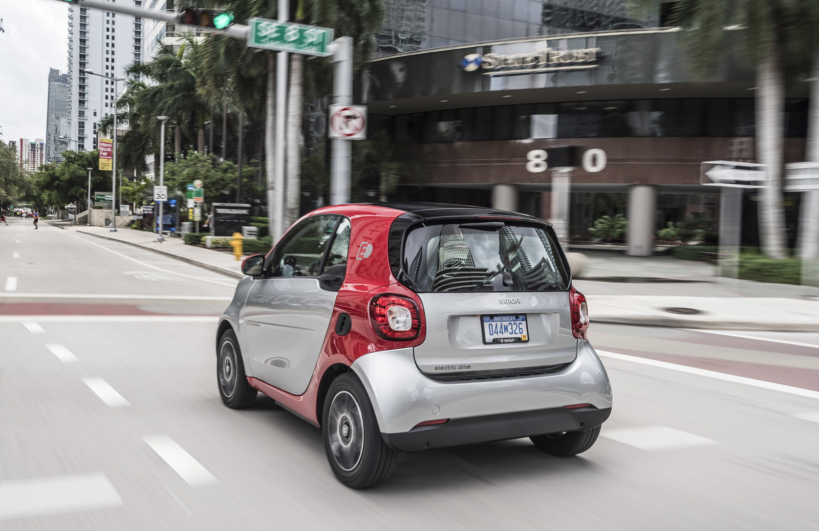 Foto de smart fortwo Electric Drive, toma de contacto (17/313)