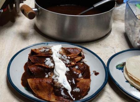Enchiladas De Mole C Pollo Agtc