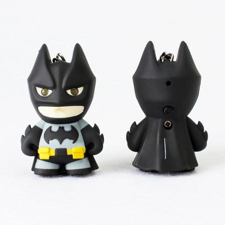 Bat-llavero, con luz, por sólo 82 céntimos y envío gratis con este cupón