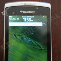 Foto 11 de 22 de la galería blackberry-torch-2-9810-mas-imagenes-del-nuevo-hibrido-de-rim en Xataka Móvil