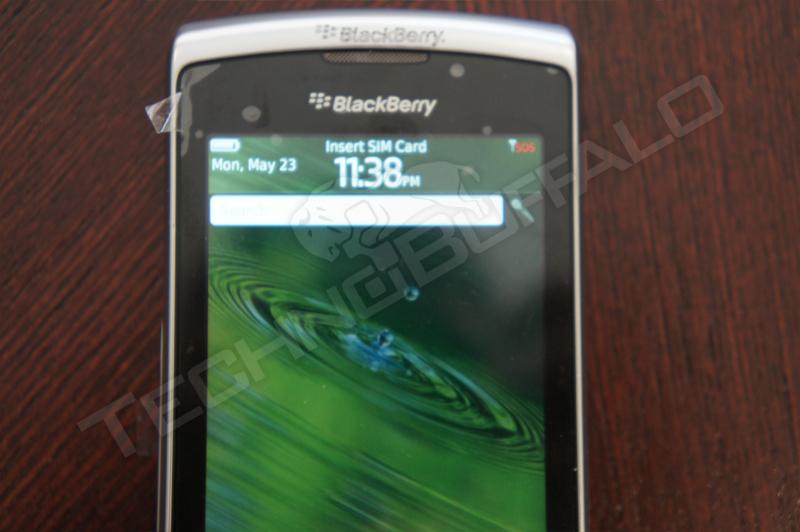 Foto de BlackBerry Torch 2 9810, más imágenes del nuevo híbrido de RIM (11/22)