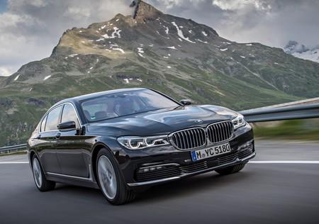 ¡El lujo quiere ir rápido! BMW registra el nombre M7 en EE. UU.