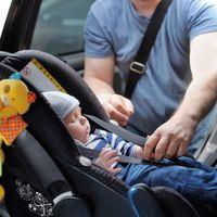 En Italia será obligatorio que las sillas infantiles de los coches lleven sistemas antiabandono