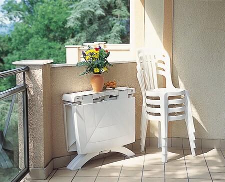 21 mesas plegables para organizar planes de todo tipo en la terraza, en el jardín y también en interior