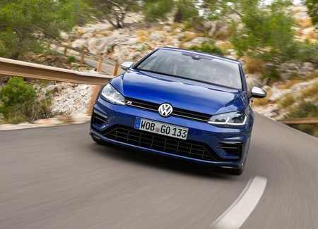Volkswagen Golf R 2018 12