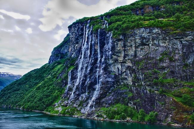 Leyenda cascada Siete Hermanas Noruega
