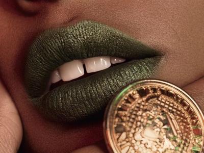 Los labiales de la colección L'Oréal x Balmain ya están aquí y no te van a dejar indiferente