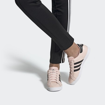 Zapatillas rosas en rebajas de Adidas, Nike y Reebok para llevar en verano y siempre