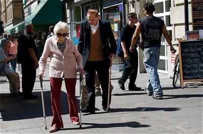 Programas de ejercicio en mayores: menos caídas, y menos lesiones al caer.