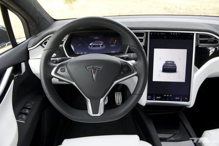 Un hacker denuncia que las piezas usadas de Tesla se venden en eBay y son un riesgo para la confidencialidad de sus expropietarios