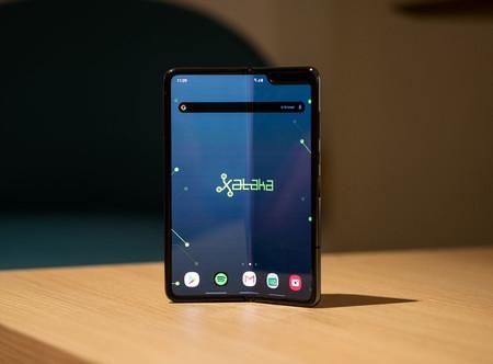 Los plegables siguen ahí: Huawei anticipa un nuevo Mate X y Samsung ve filtrado su competidor del Razr
