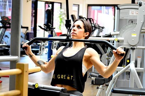 Siete ejercicios con poleas para entrenar todo tu cuerpo