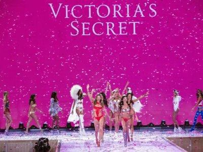 Todos quietos que los ángeles ya pisaron la pasarela de Victoria's Secret