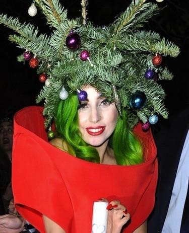 No, no es un árbol de navidad y... sí, es Lady Gaga para variar