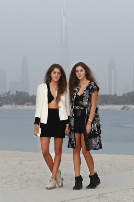 Haya y Sama Abu Khadra Chanel crucero look