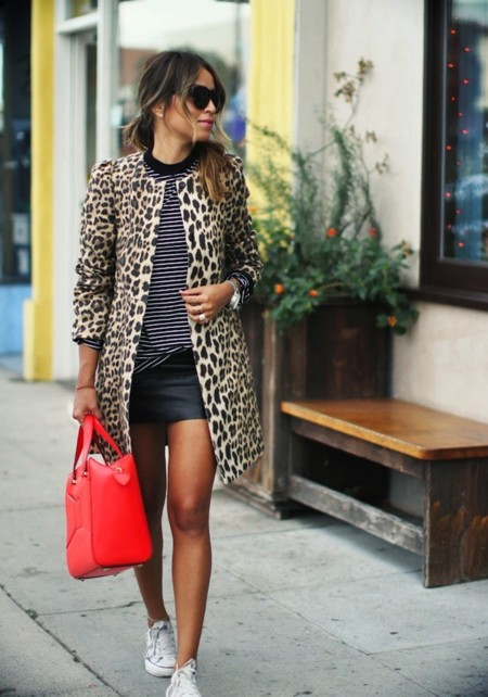 leopardo bolso rojo