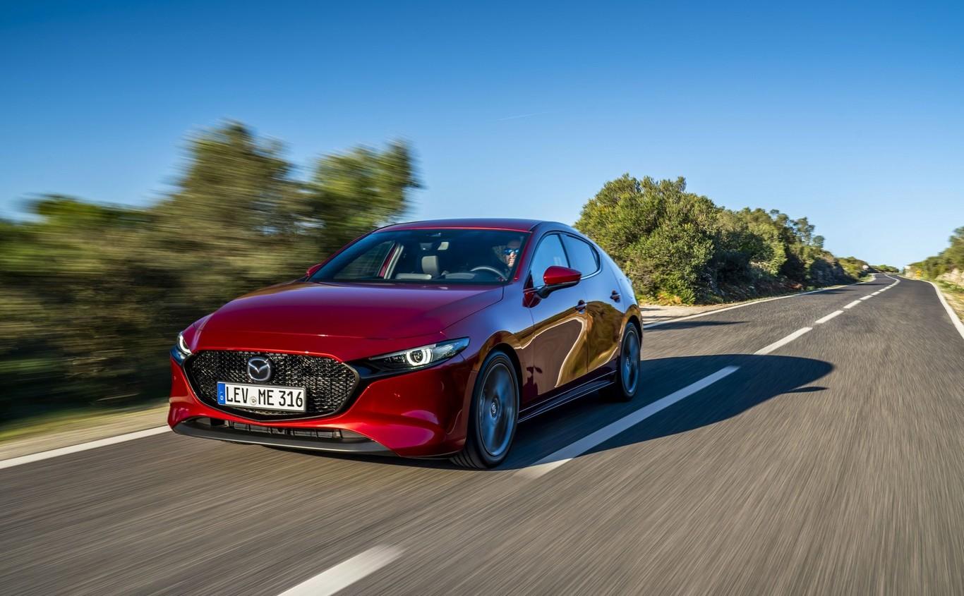 Coche Compacto Mazda3 2019 Prueba Renovación Profunda A La Espera