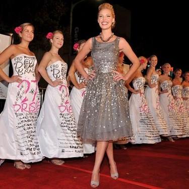 El vestido de Katherine Heigl en Musgo