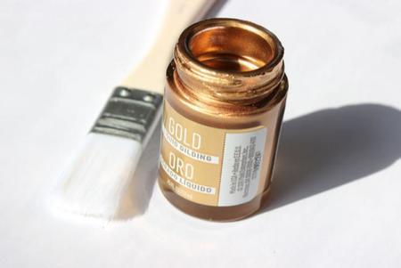 Hazlo t mismo copas doradas para la mesa de fin de a o for Pintura dorada para pared