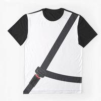 Esta camiseta con el cinturón pintado no te servirá para ahorrarte la multa: la DGT ya la conoce
