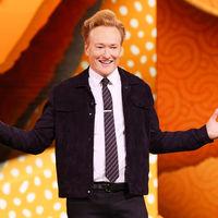 El presentador de televisión estadounidense Conan O'Brien volverá a grabar su programa desde casa con un iPhone