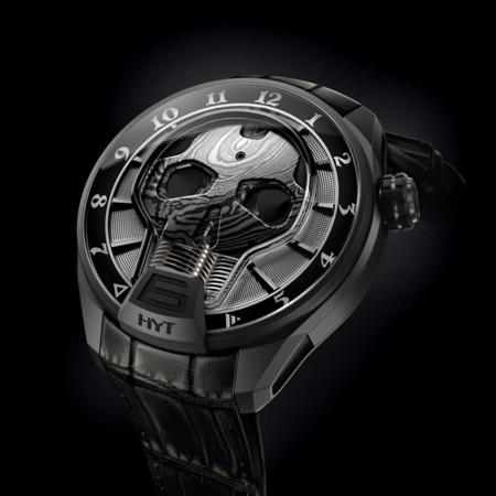 HYT presenta un reloj para los rockstars y chicos rudos incorporando líquidos en su diseño