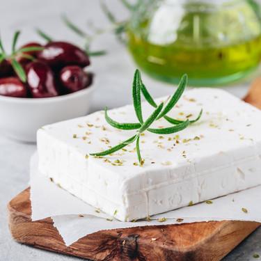 Siete recetas con queso feta para un picoteo con aires griegos