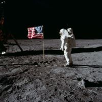 Revive el paseo lunar del Apolo 11 restaurado y en HD