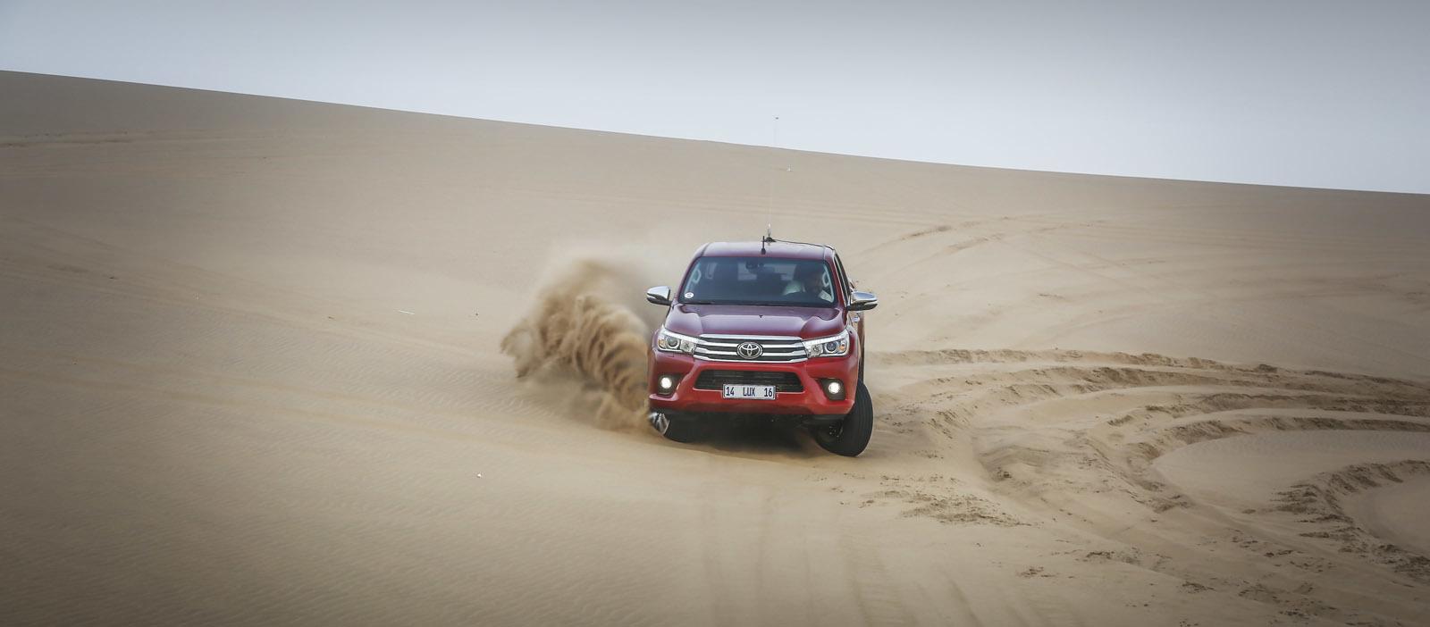 Foto de Toyota Hilux 2016 Namibia (8/74)