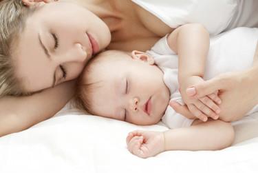 11 consejos para que el bebé tenga dulces sueños (y nosotros)