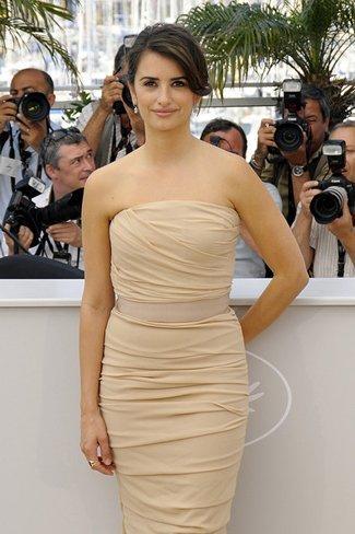 El vestido de novia de Penélope Cruz: sus mejores looks con vestidos de fiesta blancos. Dolce Gabbana
