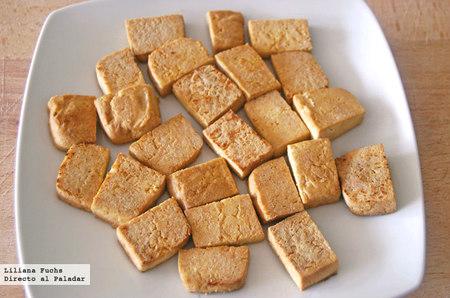 Cómo cocinar tofu. Receta de tofu firme salteado