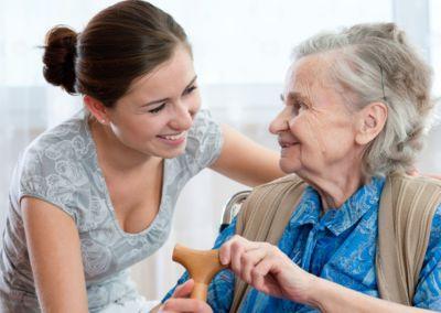 Analizar con algoritmos cómo hablamos, uno de los métodos no invasivos para detectar Alzheimer