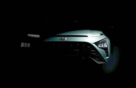 El nuevo Hyundai Bayon será el SUV de acceso de Hyundai y ya deja entrever su afilada carrocería